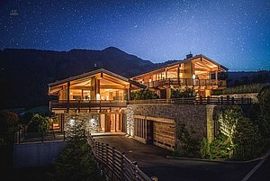 Chalet_by_night_large.jpg
